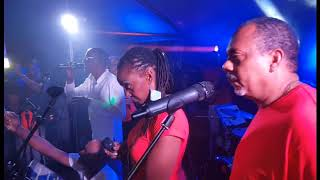 KwaXiKolor 2018 & HARRY DIBOULA  - TU ME MANQUES (live hotel bakoua) #blackbosstvradio
