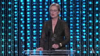 Meryl Streep and Billie Lourd honor Debbie Reynolds at the 2015 Governors Awards