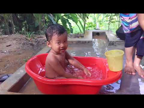 Xxx Mp4 Baby Bathing Baby Playing While Bathing Indian Style Baby Bathing Baby Bathing Video 3gp Sex