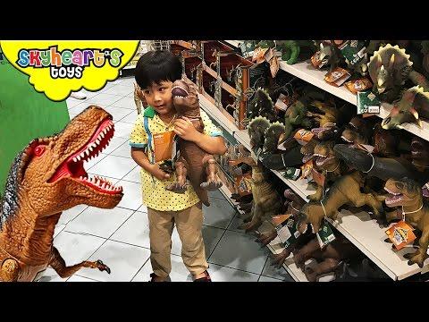 DINOSAUR TOYS Shopping in Toys R Us Mighty Megasaur Jurassic World Animal Planet Dinosaurs