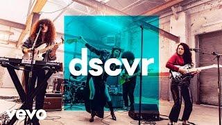 MUNA - I Know A Place - Vevo dscvr (Live)