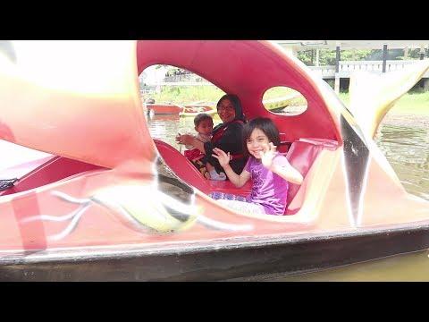 Xxx Mp4 Yaya Masuk Perut Ikan Paus Keliling Situ Gede Dengan Perahu Kayuh Bentuk Ikan Paus 3gp Sex