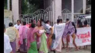 PakEyeWitness-Naked women Protest Against Indian Army in Indian manipur.flv