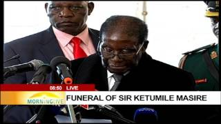 President Robert Mugabe pays tribute to the late Sir Ketumile Masire