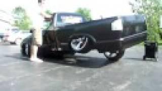 Crazy 3 Wheel in my S-10 (on air) standin still