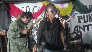 Formigão com a banda D'Zaya Regga Roots, sertembro, no Buk Porão