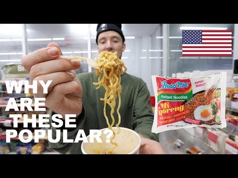 FIRST TIME EATING INDOMIE GORENG Famous Indonesian Noodles