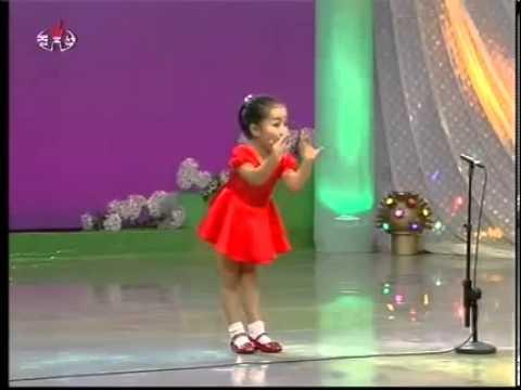 Chinese girl singing po po!!