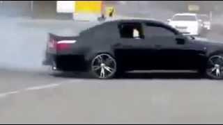 استعراض تفحيط + اطلاق رصاص .. BMW M5 تابعه للمافيا الروسيه