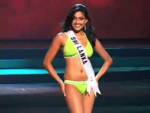 Aruni Rajapaksha Hot Bikini Swimsuit (Sexy Video)