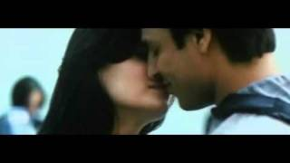 diya mirza super hot yet short kiss with vivek oberoi from kurbaan