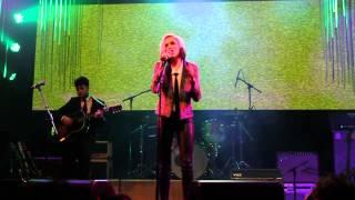 Evan Rachel Wood singing