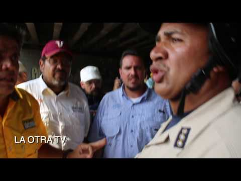 PLANTON Y QUEMA DE CAMIONES EN PROTESTA DE CARACAS ASI CULMINO