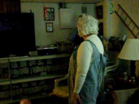 Grandma Strippin xD