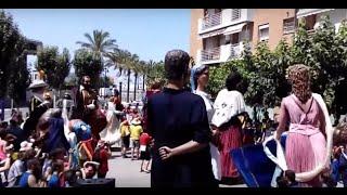 Caiguda del Gegant Neptú del Barri del Port a les festes del Serrallo 2015