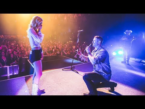 Country Star Dustin Lynch Stops Concert To Help Fan Propose Onstage