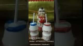 Bé Kumanthong uống sữa tại chùa ( Bùa Ngải Hộ Mệnh )