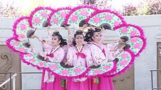 Surrey Fusion Festival 2013, Classical + Gangnam Style Korean Dance