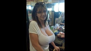 Hot Women with Great Cleavage & Sexy Legs at the Supermarket