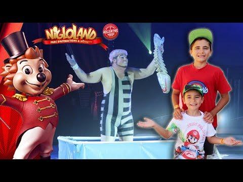 VLOG - CE CLOWN EST FOU ! Cirque Zavatta à Nigloland ! 🎪