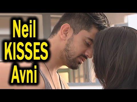 Naamkarann | Neil KISSES Avni | Neil Apologises Avni | Romantic Moments