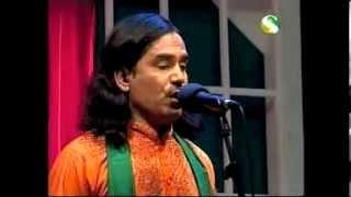 Siraj Uddin:  Shombare Deka Deki.