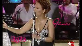 مغنية تركية تغني بالعربي - فاهمين شي؟