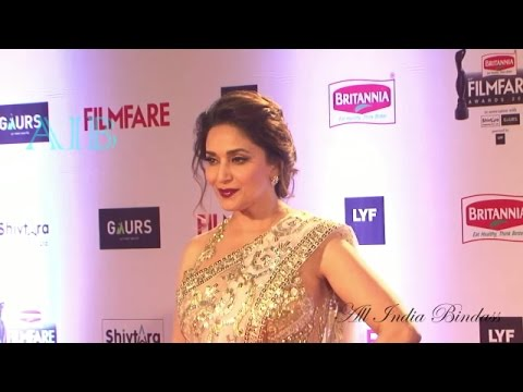 Xxx Mp4 Madhuri Dixit H0T Navel Show In Saree Filmfare Awards 2016 3gp Sex