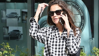 Katie Holmes Steps Out For Bargains In Calabasas