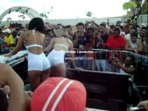 dj scuff mujeres lavando carro