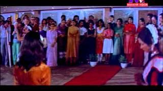 Suresh Wadekar-'Aalo mora kandhei..' in Odia Movie 'Dora'