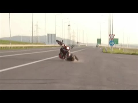 Ktm 690 smc r  crash and wheelie