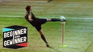 Elfmeterschießen: Arne Friedrich muss vom Riesen-Tee schießen! | Beginner gegen Gewinner | ProSieben