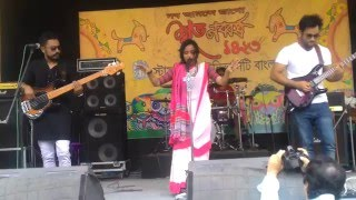 Ami oopar hoye bose asi by lalon band live concert
