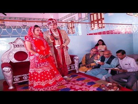 करंसी बैन के बीच लड़के-लड़की ने की अनोखी शादी…!   Innovated Wedding Amid Note Ban, No Penny Spent