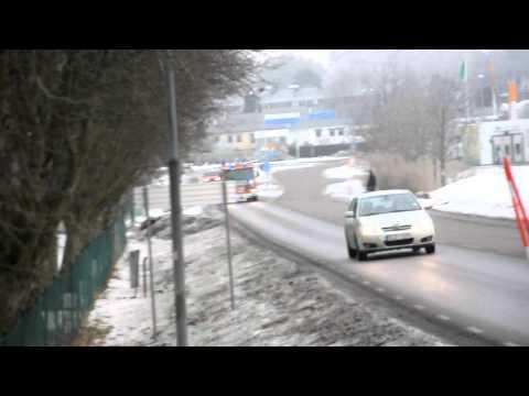 Ambulans och Räddningstjänst från Kungälv påväg mot trafikolycka Grymt go film