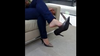 Public Shoeplay | Dangle Heels in the Mall
