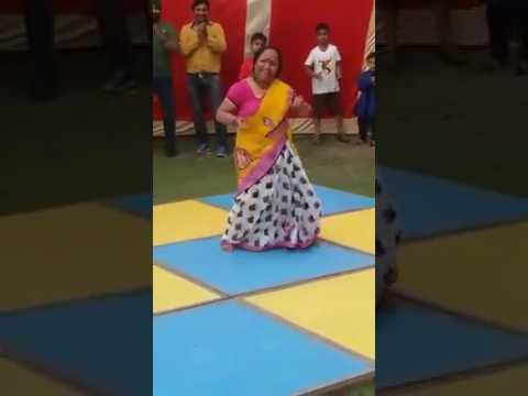 Desi lady dance