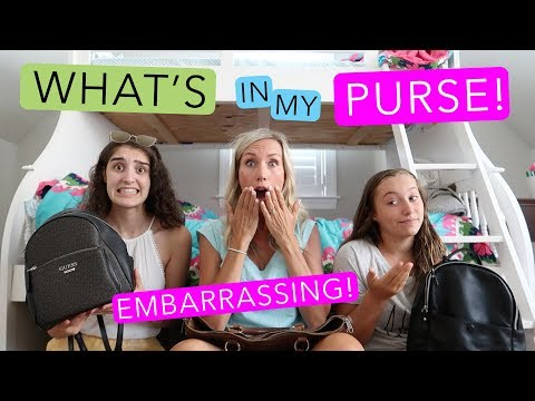 WHAT'S IN MY PURSE! TEEN vs MOM!