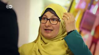 نسرين هجاج: أنا مسلمة وأعمل في متحف يهودي، ما المشكلة؟ | ضيف وحكاية