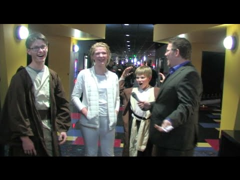Xxx Mp4 Movie Fans React To Star Wars The Force Awakens Star Wars Movie Reviews 3gp Sex