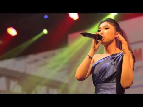Isyana Sarasvati - Live - Tetap Dalam Jiwa live new arrangements