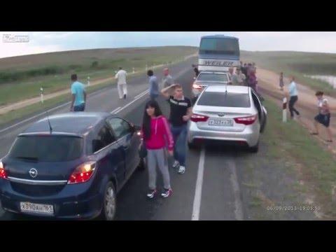 Dois Acidentes Nunca pare para ver acidentes na estrada