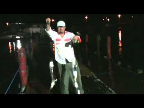 Pescaria Noturna de Espada no pier com varas lisas Fishing Extreme