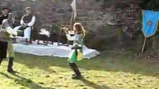 mečevanje na viteškem dnevu v gradu Prem