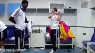 Asamoah Gyan vs Adebayor Azonto Dance(watch)
