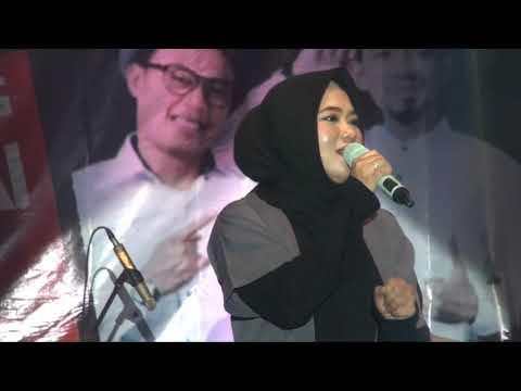 "Law Kana Bainanal Habib ""Anisa Rahman konser amal di Lapangan Batalyon Yonif 621 Barabai"""