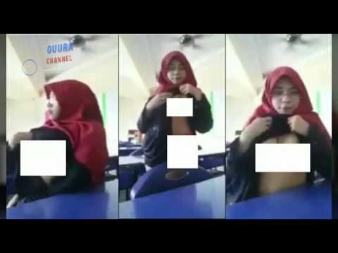 Bejad! Seorang ibu guru memamerkan payudara nya pada murid