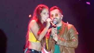 AMANTES - Greeicy ft. Mike Bahía (En Vivo) Lima - Perú 18.02.18