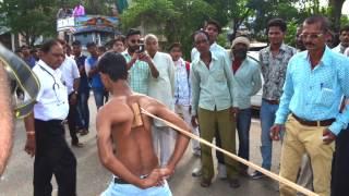 Indian Teenager Displays Super-Human Shoulder Strength in India
